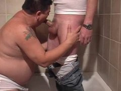 Fatty sucking dick