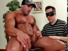 Bodybuilder Getting Dick Gobbled