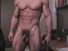 Hot muscle stud shows off